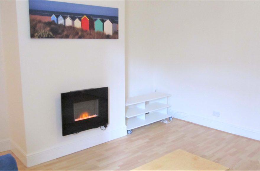 Clean / Crisp / Modern 2 Bedroom Flat 44 Wingrove Avenue in Fenham Newcastle Upon Tyne To Rent