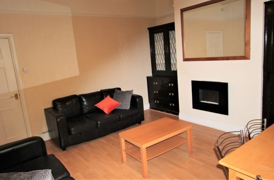 Really Lovely Modern 3 Double Bedrooms Flat To Rent Sackville Road in Heaton Newcastle Upon Tyne