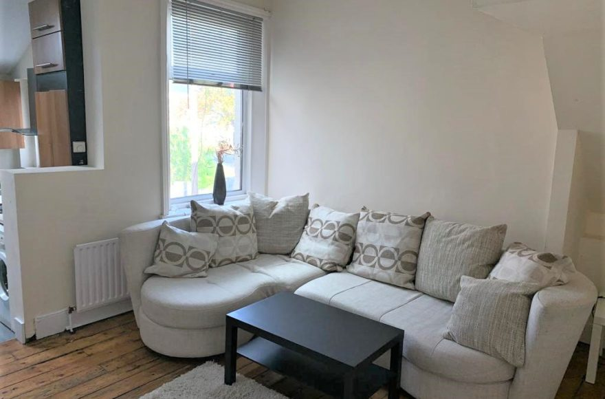 5 Bedroom Student or Professional Upper Maisonette to Rent Roxburgh Place in Heaton Newcastle