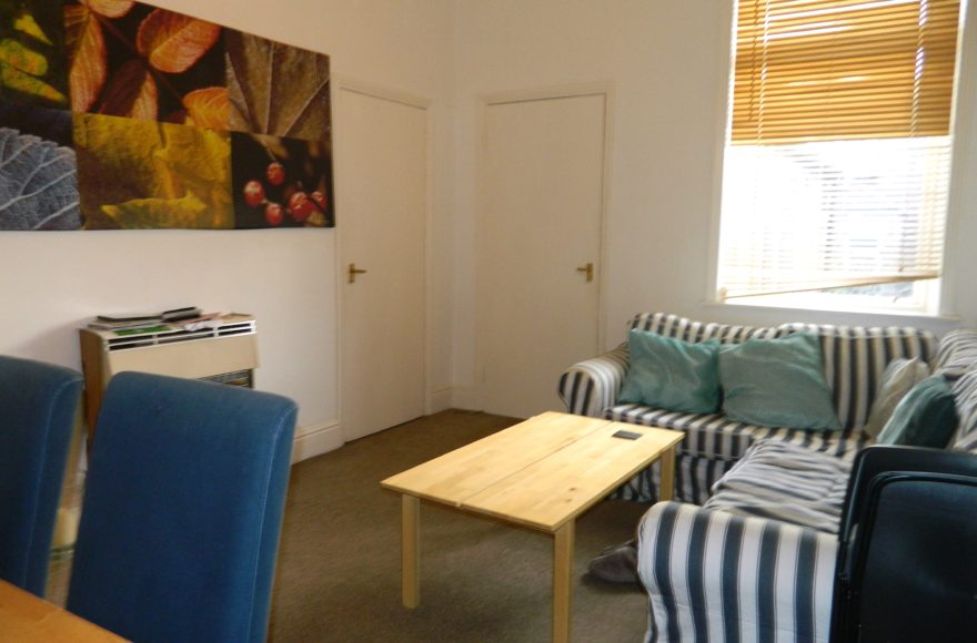 Student / Professional 4 Double Bedroom Flat To Let Simonside Terrace Heaton Newcastle Upon Tyne