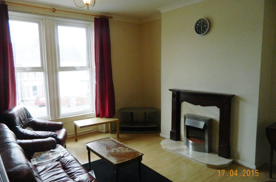 Student or Professional 3 Bedroom & 3 Bathroom Upper Maisonette To Let on Heaton Road in Heaton