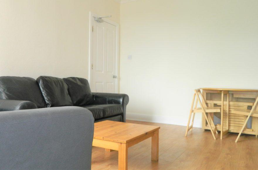 Really Lovely 4 Bedroom Professional, Student Family Maisonette To Let on Benton Road in Newcastle