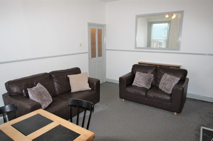 Very Good & Spacious 3 Bed Upper Apartment To Let 82 Mowbray Street Heaton Newcastle Upon Tyne