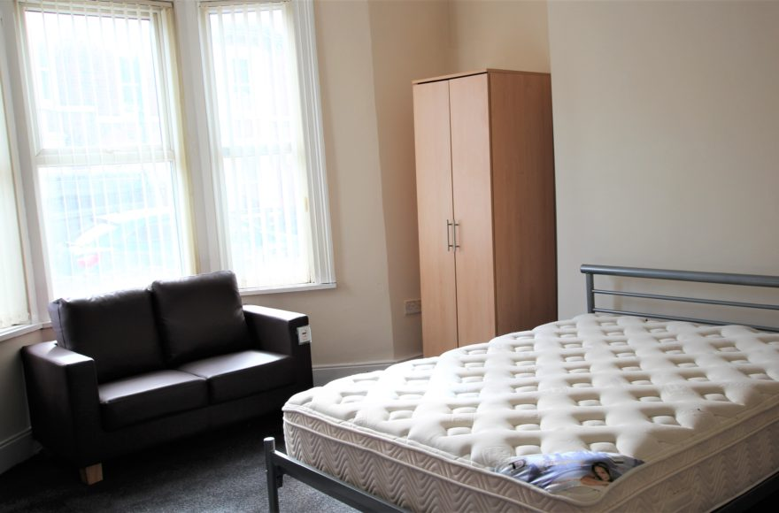 Superbly Located & Newly Refurbished 2 Bed Flat To Let 84 Mowbray Street Heaton Newcastle Upon Tyne