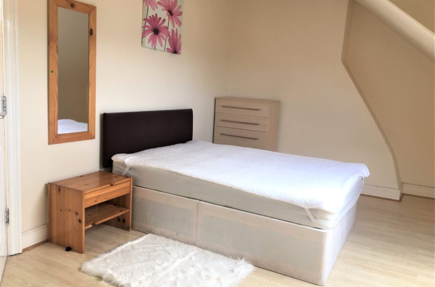 Rooms to Rent in a Shared 5 Bedroom House on Mundella Terrace in Heaton, Newcastle Upon Tyne