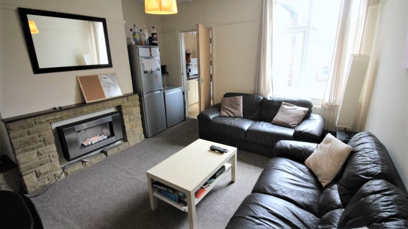 5 Bedroom Student / Professional Upper Flat To Rent Simonside Terrace Heaton Newcastle Upon Tyne