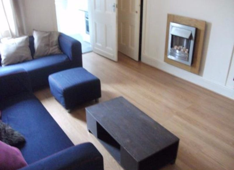 V Good Value 3 Bed Student / Professional Flat To Let King John Terrace Heaton Newcastle Upon Tyne