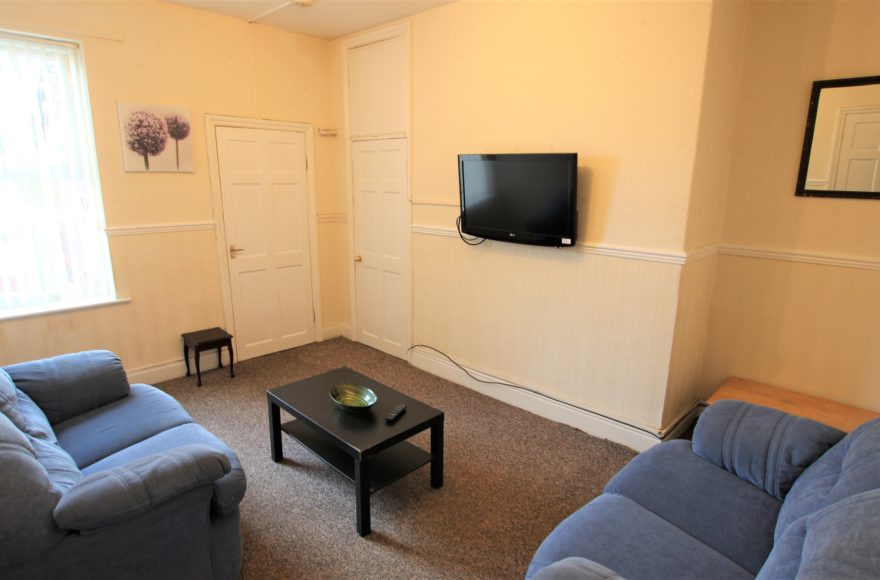 Very Large Upper 3 (All Doubles) Bedroom Flat To Let Simonside Terrace Heaton Newcastle Upon Tyne