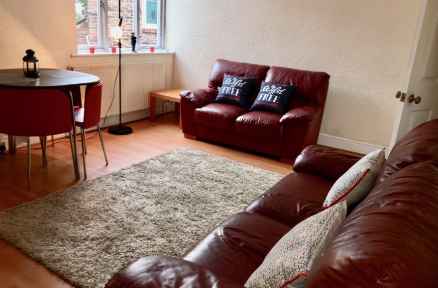 4 Bedroom Professional or Student Upper Flat To Let Coast Road, High Heaton in Newcastle