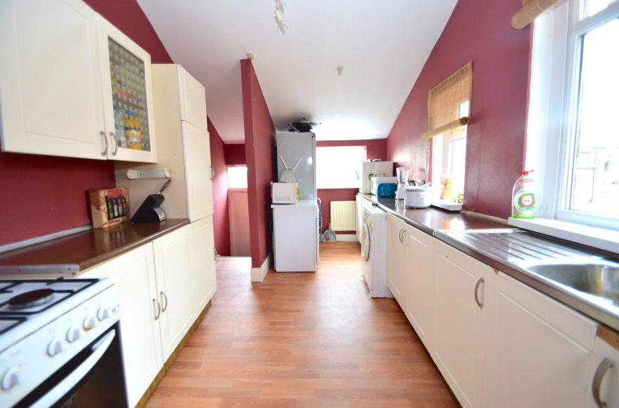 Student 4 Bed Maisonette To Rent on Biddlestone Road in Heaton Newcastle Upon Tyne
