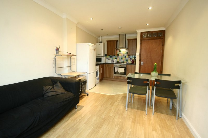 2 bedroom Student or Professional Property To Let on Grahamsley Street Gateshead Newcastle