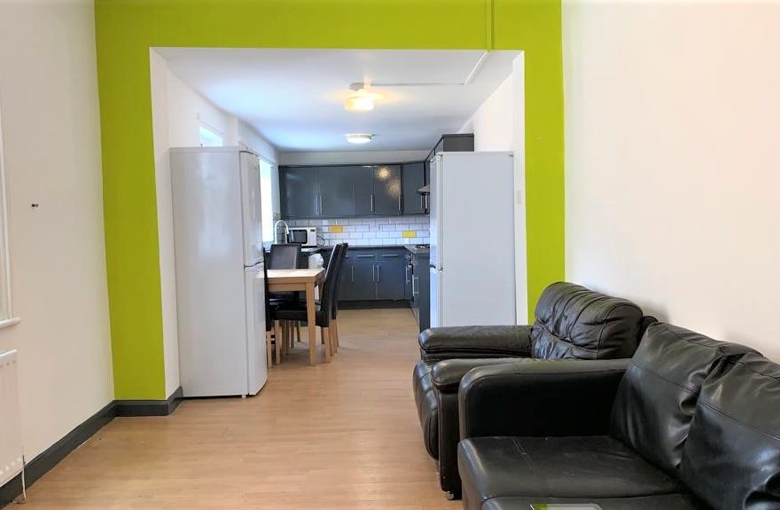 Very Large Newly Refurbished 5 Bedroom Student House to let Falmouth Road Heaton Newcastle upon Tyne
