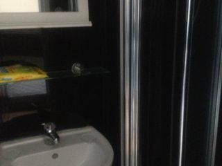 House To Let on Westgate Road Newcastle City Center Bathroom
