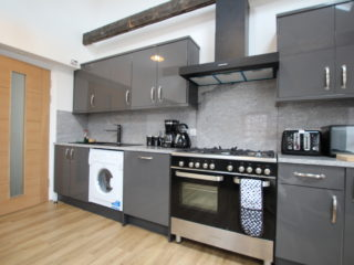 Apartment To Let in South Jesmond Kitchen 3