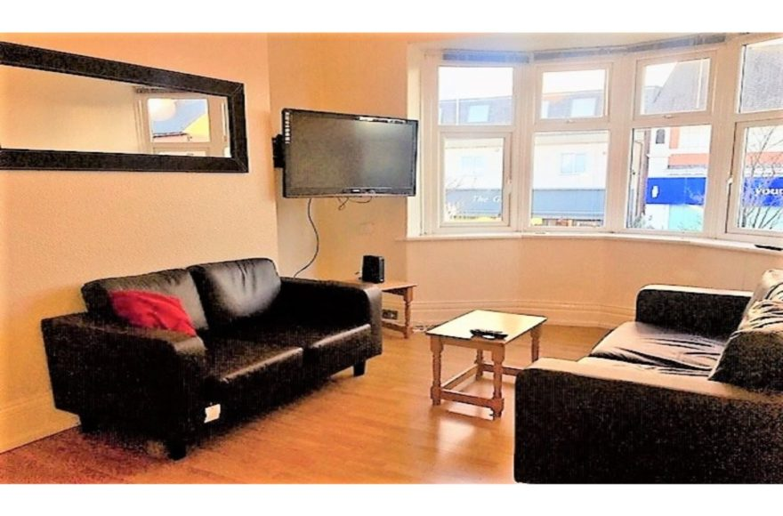 4 Bed Student or Professional Upper Flat on Cartington Terrace To Let in Heaton Newcastle Upon Tyne