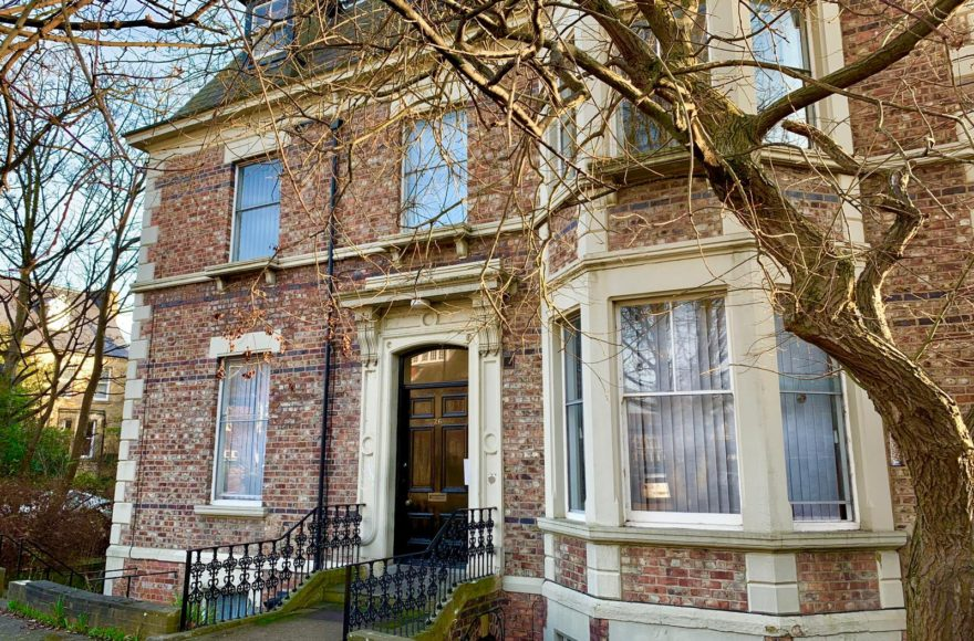 1 Bedroom Mature Student or Professional Accommodation in Jesmond. Rooms from £69.00 to £100 pw