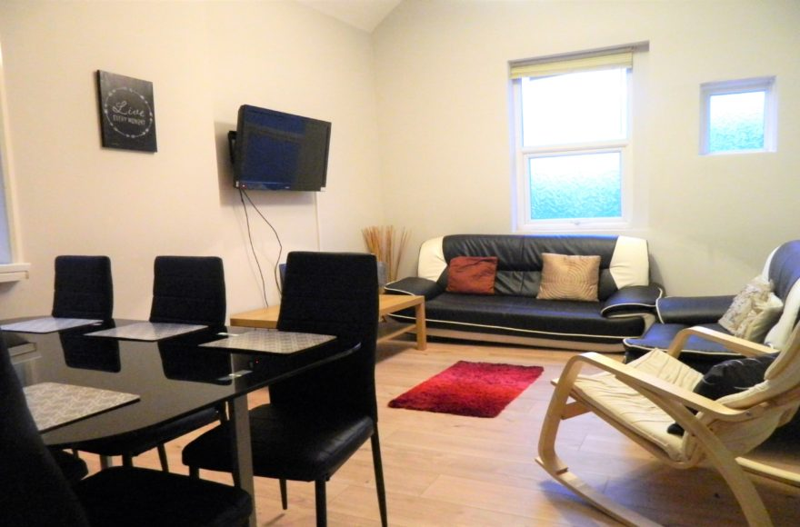 Student/Professional 1 Bedroom To Let in a 5 Bedroom Flat-Share Maisonette Heaton Road Newcastle
