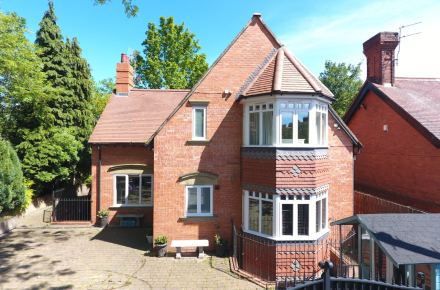 Simply Superb 3 Bedroom Detached Tennis Lodge House To Rent in Jesmond Newcastle Upon Tyne