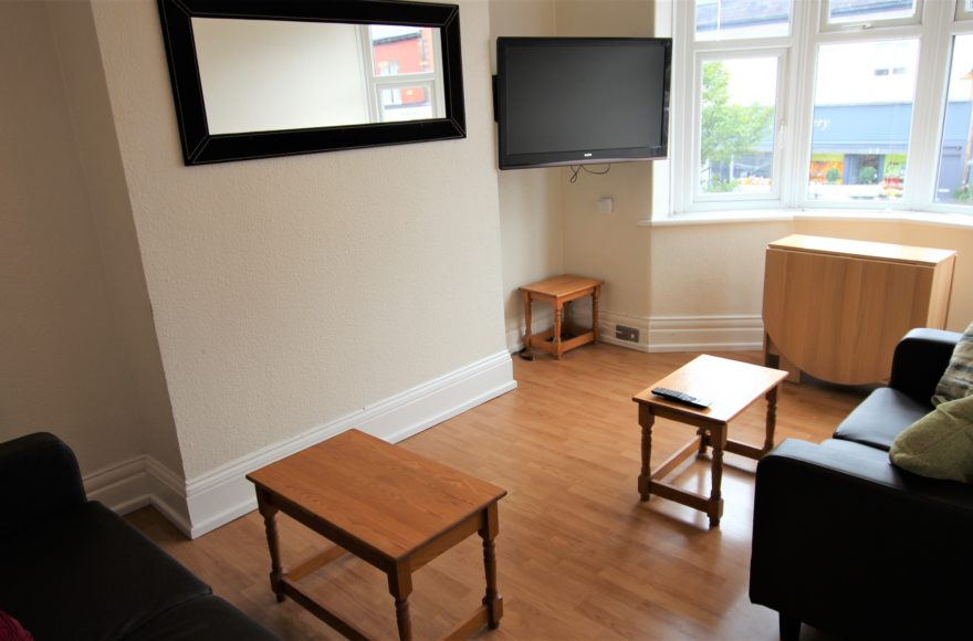 3 Bed Student or Professional Upper Flat on Cartington Terrace To Let in Heaton Newcastle Upon Tyne