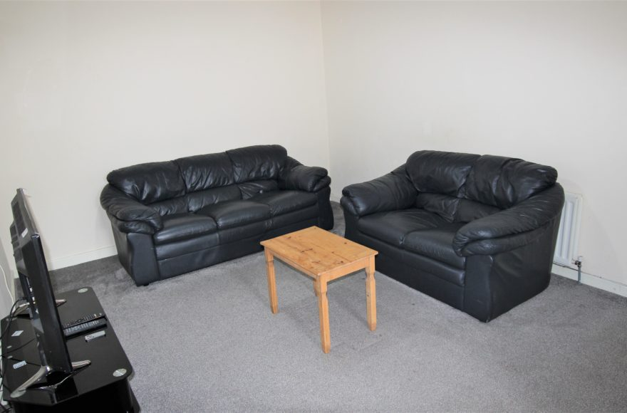 Very Spacious 3 Bed Student or Professional Upper Flat To Let on Guildford Place in Heaton Newcastle