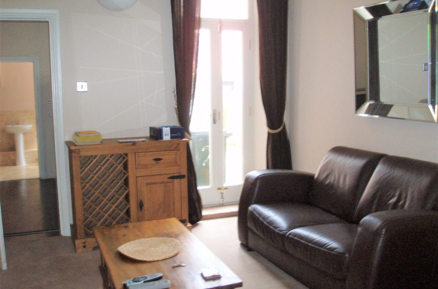 Newly Refurbishes 2 Bedroom Flat To Rent Great Location Forsyth Rd Jesmond Newcastle Upon Tyne
