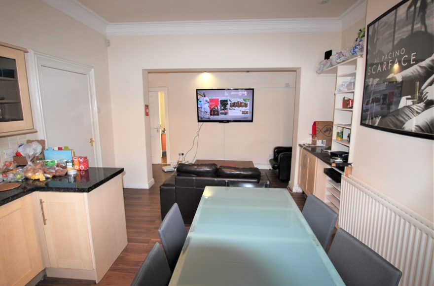 Top Top Quality / Location 3 Bed Student Apartment To Let Queens Rd Jesmond Newcastle Upon Tyne