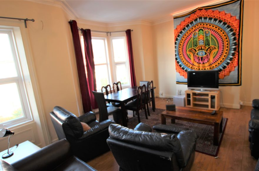 Properly Big 6 Bed Student House to let on one of the popular roads Jesmond Cavendish Place Newcastle