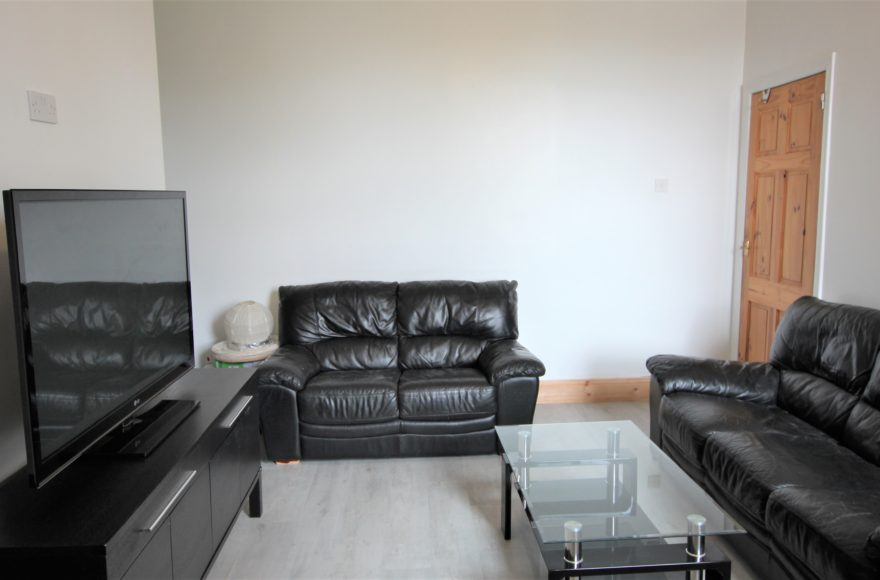 Brand New Refurbished 3 Double Bed Maisonette to let Simonside Tce Heaton Newcastle Upon Tyne
