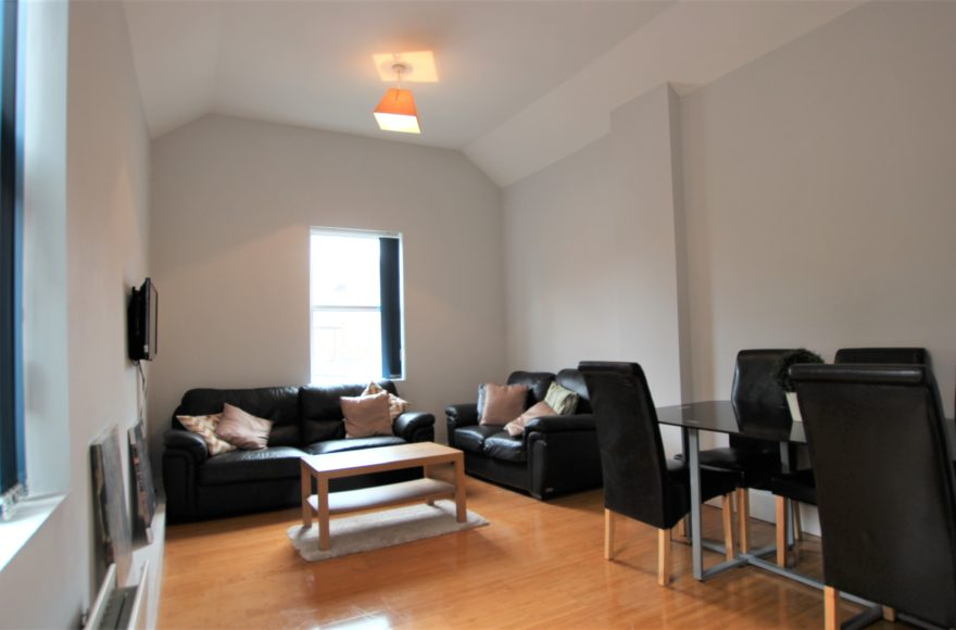 Superb Very Large 5 Double Bed Upper Apartment To Let 74 Heaton Rd Heaton Newcastle Upon Tyne