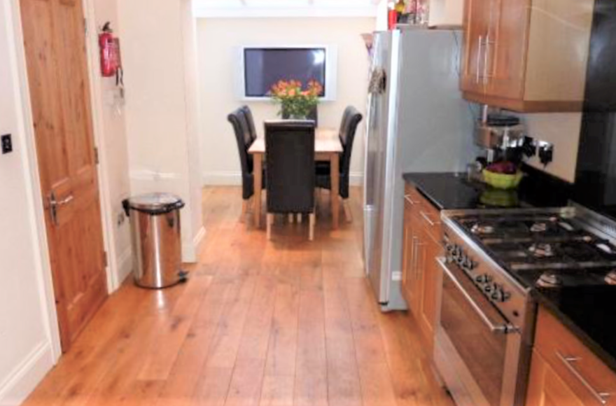 This is for a group of 7 who want the absolute best 7 Bed Student Maisonette Shortridge Tce Jesmond
