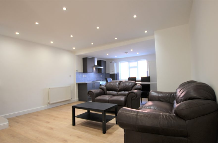The Best 3 Bedroom Apartment in Heaton ? We Think So 134 Heaton Park Road Newcastle Upon Tyne