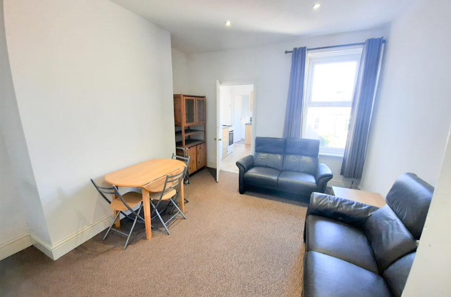 Superb & Large 3 Double Bed Upper Apartment To Let 80 Warwick St Heaton Newcastle Upon Tyne