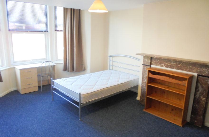 5 (all doubles) Bedroom Maisonette To Let 87 Sandringham Road South Gosforth Newcastle Upon Tyne