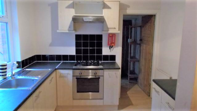 4 Double Bed (5 really so 1 spare) Large Maisonette To Let King John St Heaton Newcastle Upon Tyne