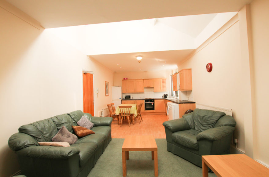4 All Double Bedroom Upper Apartment To Rent Within 3 Mins of Uni's Byron St Shieldfield Newcastle