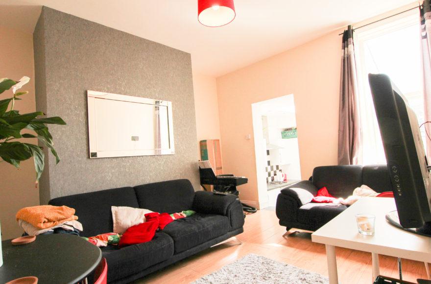 Superior & contemporary Large 3 bedroom Upper Flat Biddleston Rd Heaton Newcastle Upon Tyne